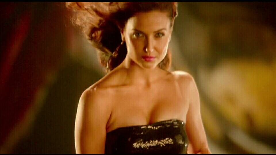 Bollywood Heroin Elli Avram Hot  Bollywood Actress Photos-8086